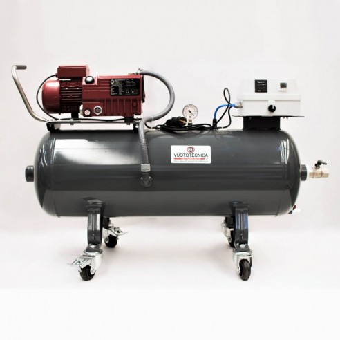 vacuum equipment supplied 21 m3/h, tank of 100 liters, wheels, and account hours