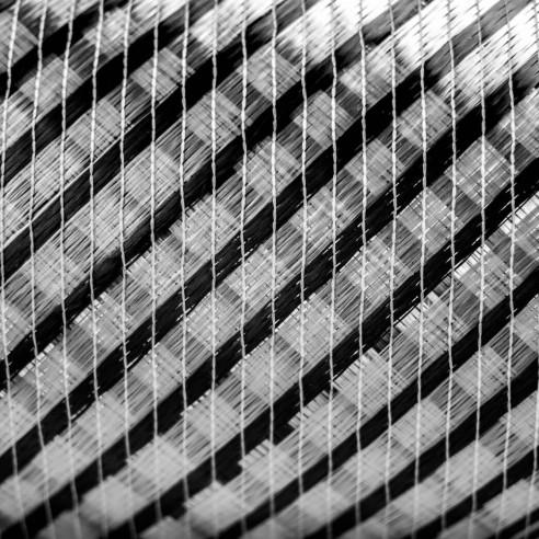 Tejido Híbrido Biaxial de Vidrio y de Carbono 330 g/m2 ancho 127 cm