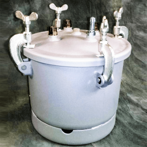 8 L metal bucket for resin evacuation